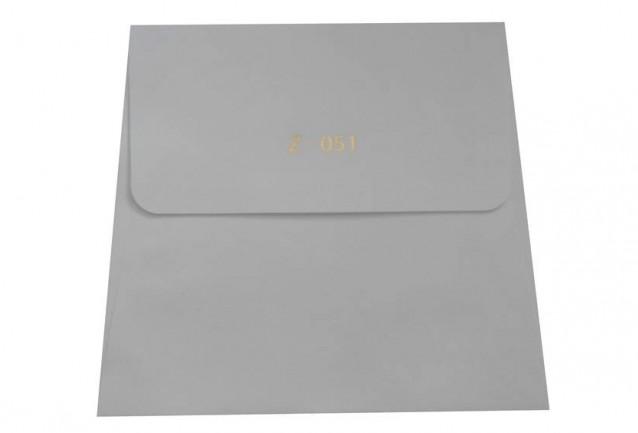 Zarf 90 gr.dır.Davetiye zarfları maksimum 3 iş günü içerisinde kargoya verilmektedir.