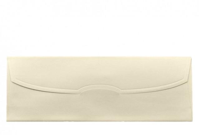 Zarf 110 gr.dır.Davetiye zarfları maksimum 3 iş günü içerisinde kargoya verilmektedir.